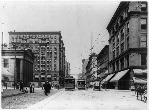 Market Street, St. Louis, Missouri. Library of Congress Prints and Photographs Division Washington