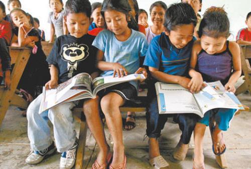 Cerca de 21 millones de mexicanos muestran rezago educativo: Coneval